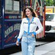 Bella Thorne arrive dans les studios de la radio SiriusXM pour faire la promotion de son nouveau livre 'The Life of a Wannabe Mogul' à New York. Elle porte un jean Chanel et un gilet de la même marque, le 14 juin 2019.
