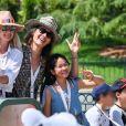 Exclusif - Laeticia Hallyday, Zofia Borucka, Jade, Joy - Laeticia Hallyday et ses filles Jade et Joy à Disneyland Paris avec la nounou Sylviane, le 26 juin 2019. Elles sont venues passer 2 jours avec Jean Reno, sa femme Zofia Borucka et leurs enfants Cielo et Dean.