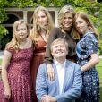 Le roi Willem-Alexander des Pays-Bas (fier comme Artaban !), la reine Maxima et leurs filles la princesse héritière Catharina-Amalia, la princesse Alexia et la princesse Ariane ont posé dans les jardins du palais Huis ten Bosch, leur résidence à La Haye, le 19 juillet 2019 lors de la traditionnelle séance photo des vacances d'été avec la presse.