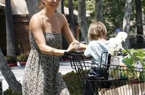 Quand la sexy Brooke Burke se rend au supermarché... déroulez le tapis rouge !