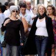 Diane Keaton se promenait le 28 juin à New-York avec une amie avant son accident de tournage aujourd'hui.