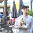 Exclusif - Aaron Carter fait du shopping  à West Hollywood le 3 février 2018.