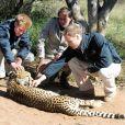 Les princes Harry et William au Botswana en 2010.