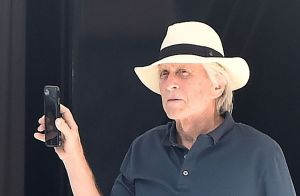 Michael Douglas : Quatre générations réunies sur sa dernière photo de famille