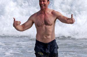 Hugh Jackman : 50 ans et un corps d'athlète qu'il dévoile à la plage