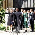 Sarah Ferguson et ses filles la princesse Beatrice et la princesse Eugenie d'York lors du mariage de la chanteuse Ellie Goulding et de son compagnon Caspar Jopling le 31 août à York Minster, la cathédrale d'York, dans le nord de l'Angleterre.