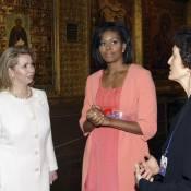 Michelle Obama : son look à Moscou ne nous a pas convaincus... Nous réserve-t-elle ses plus belles tenues pour le show avec Carla ?