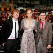 Emma Watson, Daniel Radcliffe et leurs copains se sont fait tremper à la grande soirée d'Harry Potter ! Le déluge s'en est mêlé, regardez !