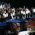 Un formidable moment au Staples Center lors de la chanson Heal The World