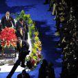 Les frères de Michael Jackson autour du cercueil de leur frère disparu, le 7/07/2009 au Staples Center
