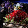 Le chanteur Usher a rendu un vibrant hommage à son idole Michael Jackson hier, mardi 7 juillet 2009 au Staples Center