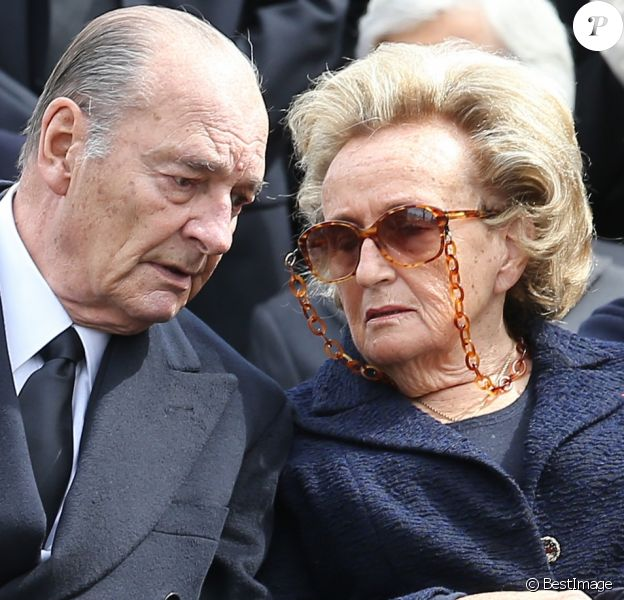 Jacques et Bernadette Chirac - Obsèques de Antoine Veil au cimetière du Montparnasse à Paris. Le 15 avril 2013.