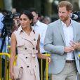 Le prince Harry, duc de Sussex et sa femme Meghan Markle, en robe Nonie, arrivent à l'exposition commémorative du centenaire de la naissance de Nelson Mandela au centre Southbank à Londres le 17 juillet 2018