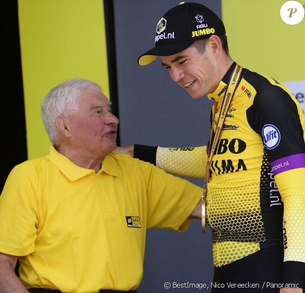 Raymond Poulidor et Wout Van Aert après la 2ème étape du Tour de France 2019 à Bruxelles le 7 juillet 2019. © Nico Vereecken / Panoramic / Bestimage
