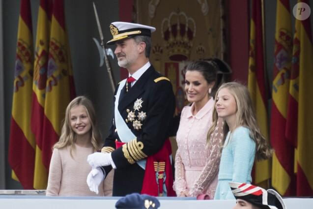 Le roi Felipe VI d'Espagne, la reine Letizia, la princesse Sofia et la princesse Leonor - La famille royale d'Espagne assiste à la parade militaire le jour de la fête nationale espagnole à Madrid le 12 octobre 2019