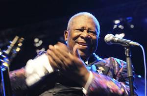 B.B. King, le divin bluesman toujours au top... de l'élégance !