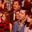 """Zooey Deschanel et son compagnon Jonathan Scott sur le plateau de l'émission """"Dancing With The Stars"""". Zooey et Jonathan ne cachent pas leur histoire d'amour. Le couple est apparu plusieurs fois devant la caméra, enlacés et très complices, le 30 septembre 2019 à Los Angeles."""