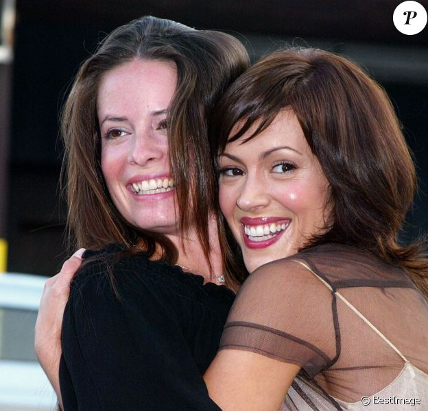 """Alyssa Milano, Holly Marie Combs et """"Venice Arts in Neighboroods"""" présentent la première du documentaire """"Picturing a new South Africa an exploration of culture and hope"""". Los Angeles, le 11 août 2002."""