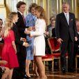 Le 18e anniversaire de la princesse héritière Elisabeth de Belgique, duchesse de Brabant, entourée de sa famille, a été célébré le 25 octobre 2019 dans la Salle du Trône au palais royal à Bruxelles.