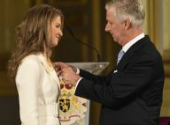 Elisabeth de Belgique éblouissante pour ses 18 ans, le roi et la reine très émus
