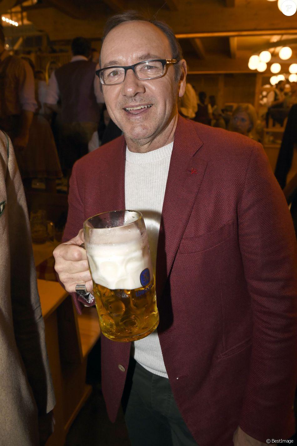 Kevin Spacey lors de la fête de la bière (Oktoberfest) à Munich, le 24 septembre 2017.