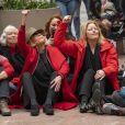 Jane Fonda, 81 ans, et ses partisans ont fait un sit-in dans l'un des bureaux du Sénat américain lors d'une nouvelle manifestation le 1er novembre 2019 à Washington pour alerter les décideurs politiques et l'opinion publique sur l'urgence d'agir face à la crise du changement climatique.