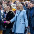 Le président Emmanuel Macron et sa femme Brigitte passent le week-end de la Toussaint à Honfleur le 31 octobre 2019. Comme tous les week-end de Toussaint, le président Emmanuel Macron et sa femme Brigitte sont à Honfleur dans le Calvados où ils sont arrivés le mercredi 30 dans la soirée. Ils logent à la Ferme Saint-Siméon, un hôtel de Honfleur. En fin de mâtinée, le jeudi 31, ils sont venus à pied pour déjeuner au Bistrot des Artistes, où ils ont leurs habitudes depuis des années et ensuite ils sont allés à la rencontre des Honfleurais lors d'une brève promenade sur la jetée du port. Ils ont rejoint leur hôtel peu de temps après en raison du mauvais temps.