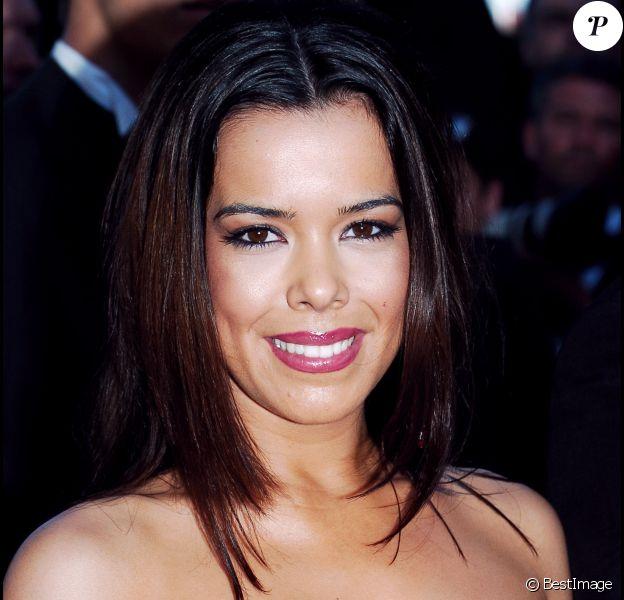 Beatriz Luengo lors de la montée des marches du film Volver, lors du 59e Festival de Cannes, en mai 2006.