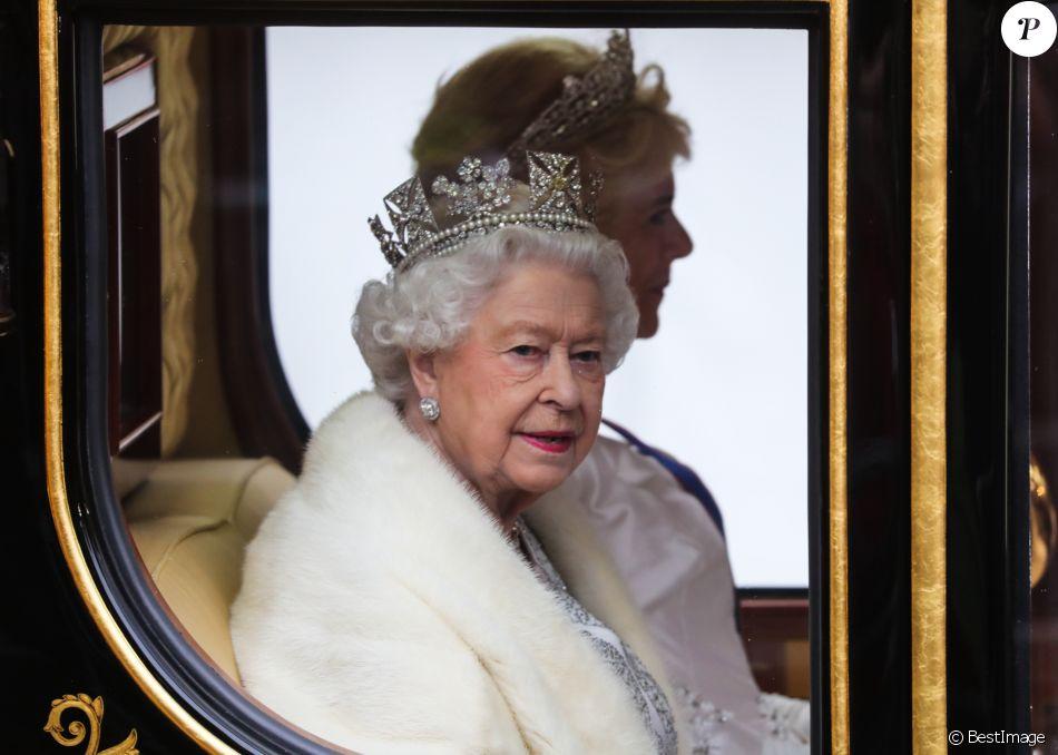 La reine Elisabeth II d'Angleterre - La famille royale d'Angleterre à son arrivée à l'ouverture du Parlement au palais de Westminster à Londres. Le 14 octobre 2019.