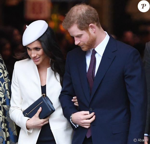 """Le prince Harry et Meghan Markle, coiffée d'un chapeau Amanda Wakeley, quittent la messe du """"Commonwealth Day"""" à l'Abbaye de Westminster à Londres, le 12 mars 2018."""