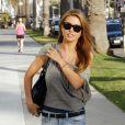 Audrina Patridge moulée dans un mini short à Beverly Hills