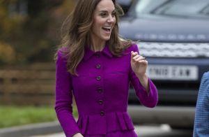Kate Middleton radieuse en rose : crinière au vent et tailleur recyclé