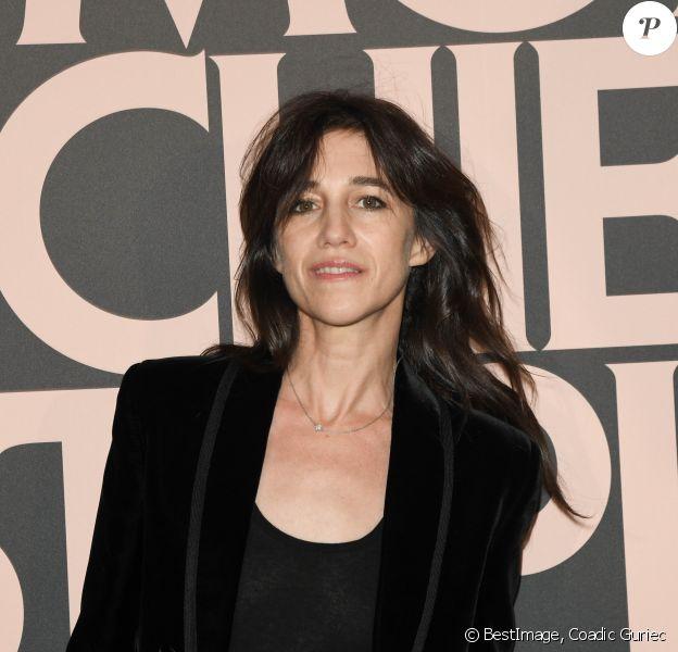 """Charlotte Gainsbourg - Avant-première du film """"Mon chien stupide"""" au cinéma UGC Normandie à Paris, le 22 octobre 2019. © Coadic Guirec/Bestimage"""