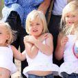 Maxima et Willem-Alexander des Pays-Bas avec leurs trois princesses, Catharina-Amalia, Alexia et Ariane, sur la plaged e leur ville de Wassenaar, le 20 juillet 2009