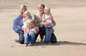Maxima des Pays-Bas : De magnifiques images sur la plage avec son époux et... leurs trois petites têtes blondes !