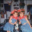 Archives - Mary-Kate et Ashley Olsen à l'USDA Convention de Las Vegas. Le 9 juillet 1993.
