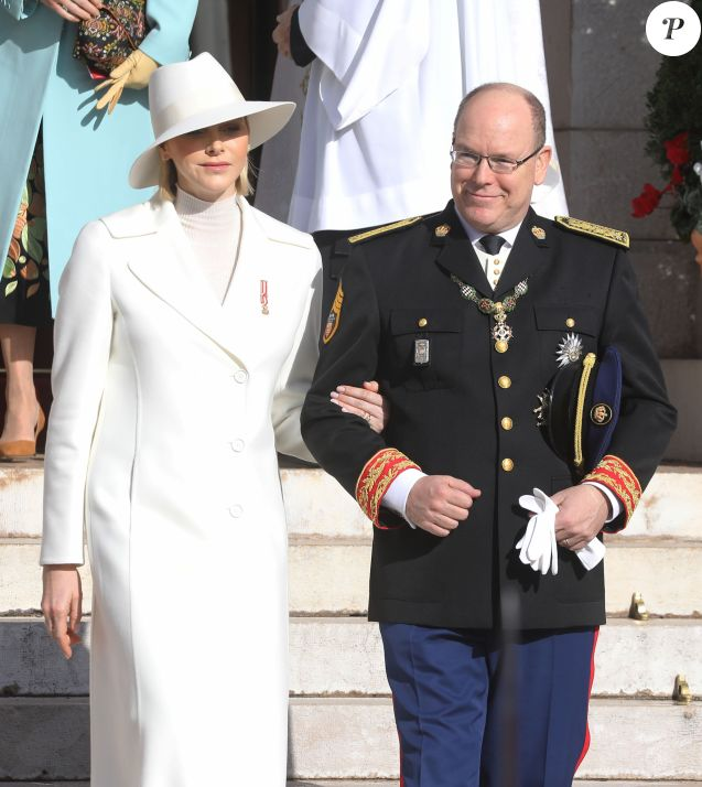 Le prince Albert II de Monaco, la princesse Charlène de Monaco - La famille princière de Monaco quitte la cathédrale Notre-Dame-Immaculée lors de la fête Nationale monégasque à Monaco le 19 novembre 2019. © Dominique Jacovides/Bestimage