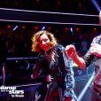 """Fauve Hautot et Sami El Gueddari lors de la finale de """"Danse avec les stars"""" en direct sur TF1, le 23 novembre 2019."""