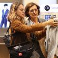 Exclusif - Inès de la Fressange et sa fille Violette d'Urso lors de la soirée de lancement de la collection Automne-Hiver 2017 UNIQLO U à la boutique Uniqlo à Paris, le 4 octobre 2017. © Denis Guignebourg/Bestimage