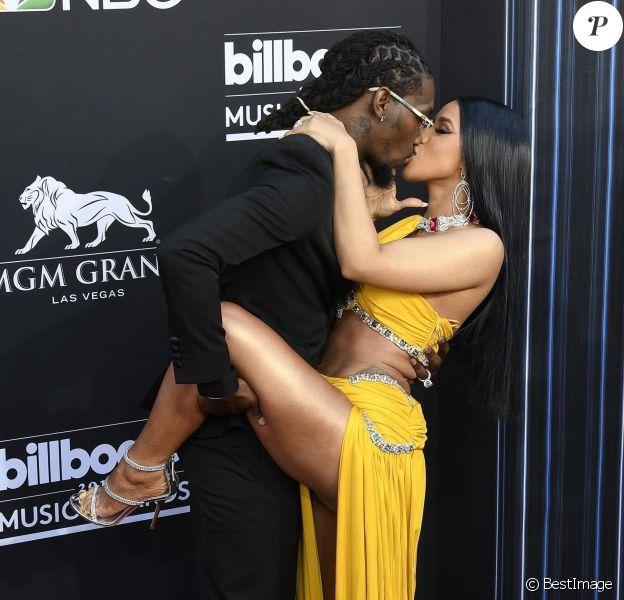 Cardi B et son compagnon Offset (bisou) à la soirée Billboard Music Awards 2019 au MGM Grand Garden Arena à Las Vegas, le 1er mai 2019