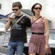 Elijah Wood et sa petite amie se promènent à Soho, New York