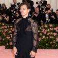 """Harry Styles à la 71ème édition du MET Gala (Met Ball, Costume Institute Benefit) sur le thème """"Camp: Notes on Fashion"""" au Metropolitan Museum of Art à New York, le 6 mai 2019."""