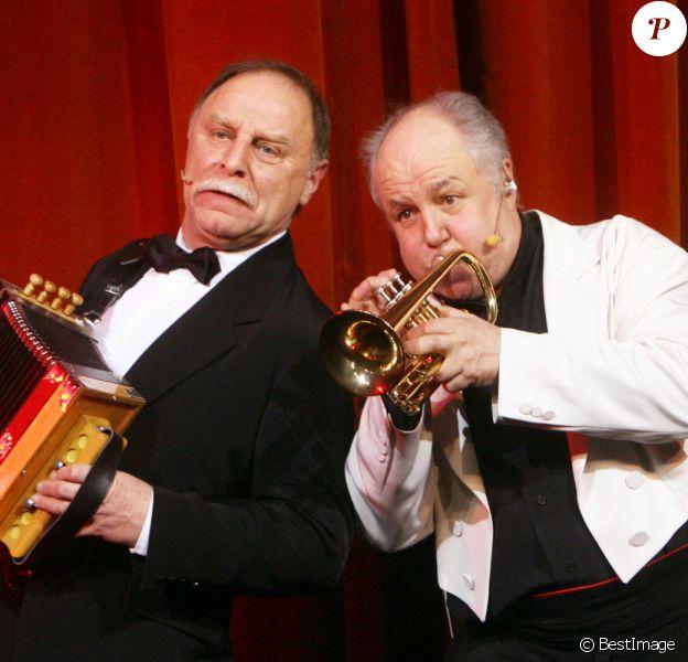 Guy Laporte et Marc Jolivet dans le spectacle Comic Symphonic au théâtre Comedia à Paris en 2007.