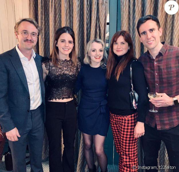 Emma Watson, Tom Felton, Evanna Lynch, Bonnie Wright et Matthew Lewis réunis juste avant Noël, le 19 décembre 2019.