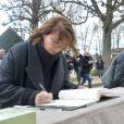 Jane Birkin, Gabrielle Lazure - Arrivées aux obsèques de Anna Karina en la chapelle de l'Est au cimetière du Père Lachaise à Paris. Le 21 décembre 2019