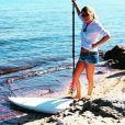 """Caroline de """"Mariés au premier regard"""" avant une séance de paddle à la Ciotat, le 20 avril 2018"""