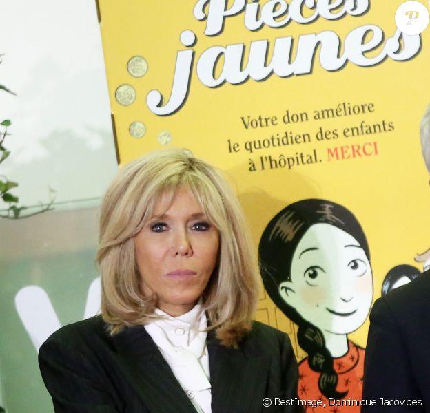 Brigitte Macron (Présidente de la Fondation Hôpitaux de Paris-Hôpitaux de France) lors du lancement de la 31e édition de l'opération Pièce Jaunes au Centre Hospitalier Régional d'Orléans le 8 janvier 2020. © Dominique Jacovides / Bestimage