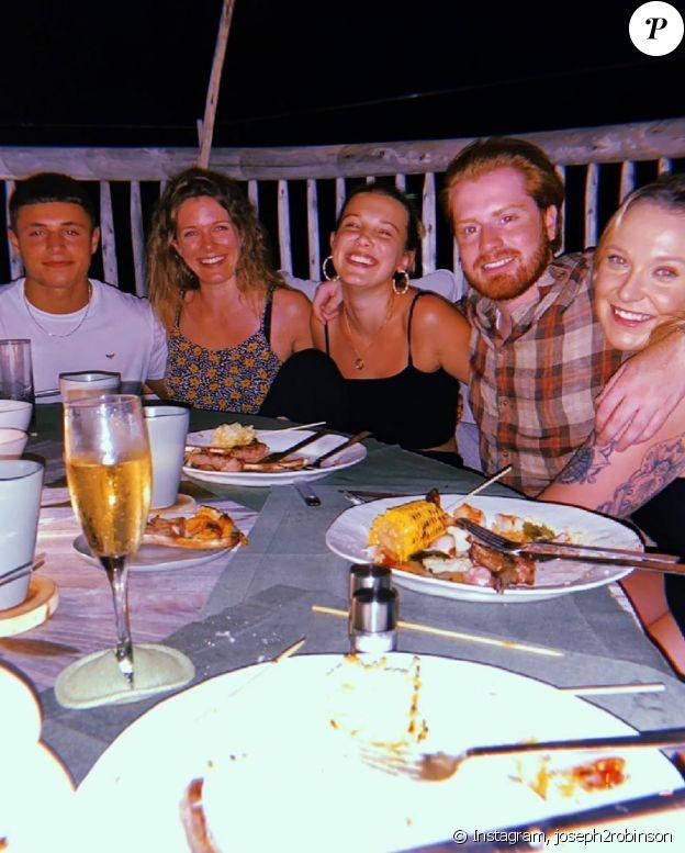 Millie Bobby Brown en vacances aux Maldives avec son nouveau petit ami, Joseph Robinson. Décembre 2019.