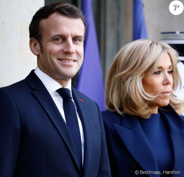 Le président Emmanuel Macron, la première dame Brigitte Macron au palais de l'Elysée à Paris le 10 janvier 2020. © Hamilton / Pool / Bestimage