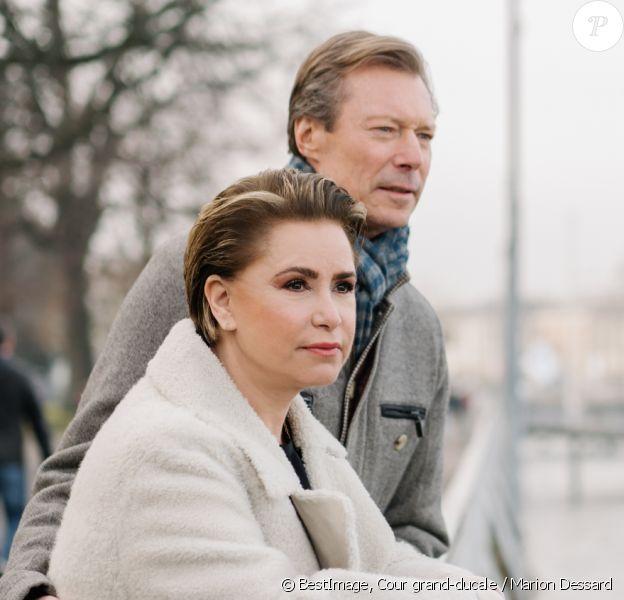 Le grand-duc Henri de Luxembourg et la grande-duchesse Maria Teresa de Luxembourg se promènent à Genève en Suisse le 26 janvier 2020. © Cour grand-ducale / Marion Dessard via Bestimage